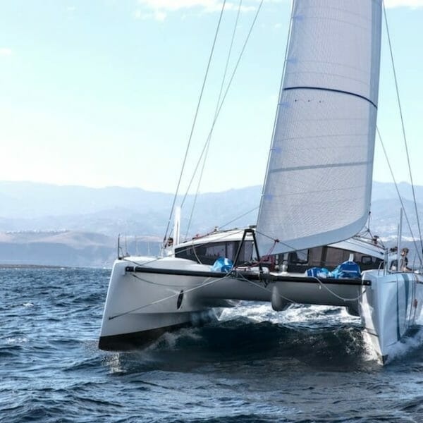 MyTeamBuilding Racing Catamaran 1