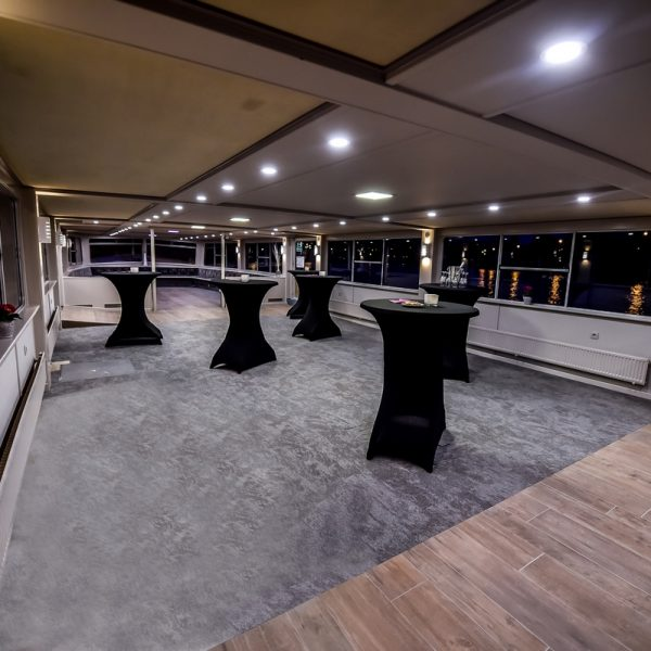 MyTeamBuilding_Party Room Boat 140